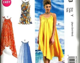 McCslls 6743 new and uncut size  Xsmall - medium super casual womans dress