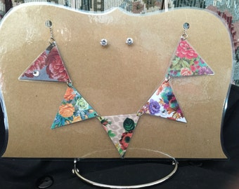 Bunting Necklace and Earrings