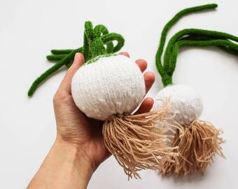 MADE TO ORDER Play kitchen food onions - pretend play food vegetables - Baby soft toy Waldorf toy knitted green white onions gift for foodie