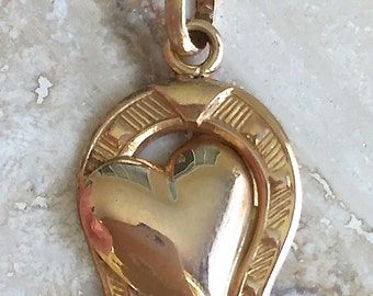 Lovely Unique Antique 18k Good Luck Horseshoe and Heart Pendant Weighing 1.7 grams 750