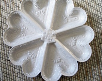 White Porcelain Heart Shaped Cookie Mold, vintage