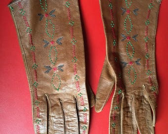 hand embroidered vintage 30's leather  ladies gloves