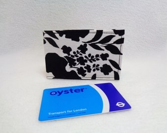 Black and White Floral Design Oyster Card Holder - Credit Card Holder - Business Card Holder - Travel Wallet - Gift Card Purse