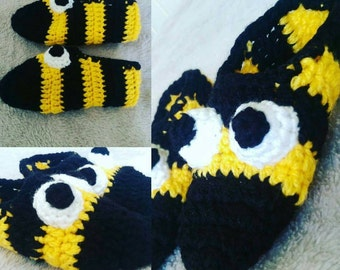 Crochet Slippers Socks House Shoes Bumble Bee Characters.