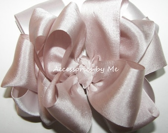 Blush Bisque Hair Bow Pure 100% Silk Satin Ribbon Girls Baby Toddler Accessories Clip Princess Pageant Wedding 1st Birthday Party Occasion