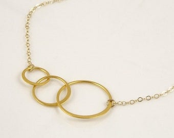 Gold Infinity Necklace Linked Circle Necklace Best Friend Necklace Girlfriend Necklace Aniversary Gift Three Circles
