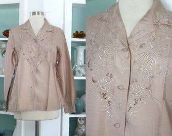 1950s Embroidered Blouse / Vintage 50s 60s Beige Taupe Blush Silk Chinese Long Sleeved Embroidered Floral Blouse Asian Top /Silk Shirt - M/L