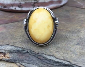 Vintage Sterling Silver Milk Amber Yellow Beautiful Ring Size 7