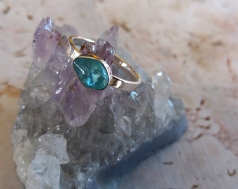 Raw Apatite Silver Ring. Handmade solitaire Solid ring