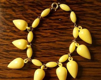 1960s Teardrop Bracelet Yellow (338)