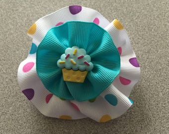 Round Hair Bow with Cupcake Cabachon