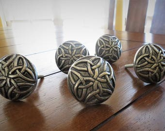 Antique Pewter Knob / Dresser Pull / Vintage Style Metal Knob for Cabinets, Drawers, Doors, Desk, Dresser / Furniture Hardware