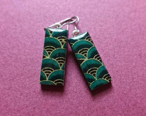 Green earrings, gold earrings, Japanese paper earrings, paper earrings, chiyogami earrings, chiyogami jewelry, paper jewelry, forest green