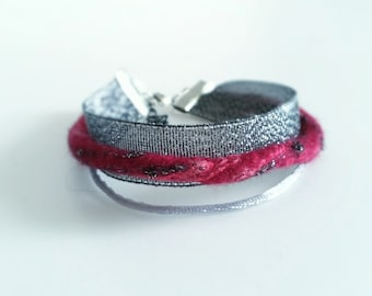 Hand felted bracelet with merino wool and silk - Pink nuances