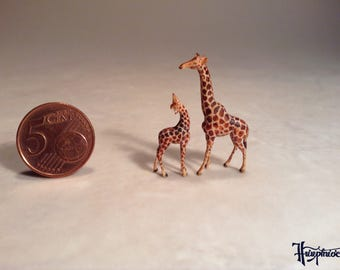 Wooden miniature mother giraffe with baby (Set No.2)
