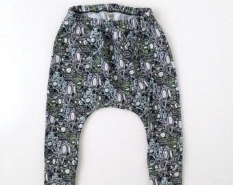 Kids harem pants, toddler harem pants, baby harem pants, kids pants, baby pants, modern kids clothes, kids street wear, monochrome harems