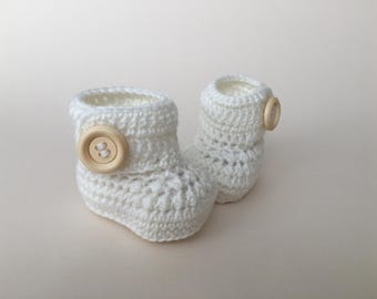 Ivory baby booties, baby shoes, crochet baby shoes, crib shoes, baby, crochet baby booties, baby slippers, crochet