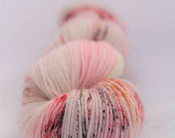 Hand-dyed yarn - sock yarn - superwash - merino - dyed-to-order - speckles - LAIT FRAISE