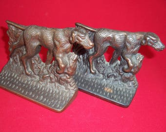 Pair of vintage pointer dog, English setter bookends  Cast Iron with a bronze finish Pointer Dog Bookends English Setter Pair