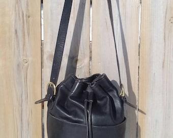 Vintage Black Leather Coach Thompson Drawstring Bucket Bag J5C-4151