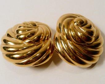 Vintage Ciner Gold Tone Clip On Earrings