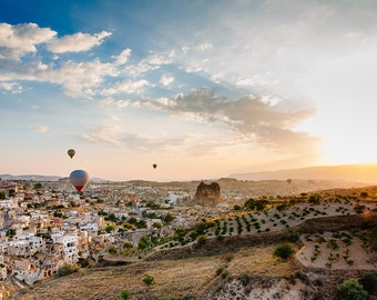 Hot Air Balloon and Sunrise Photography over Cappadocia, Turkey