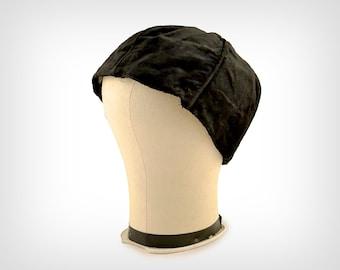 20s Hat // 1920's Black Silk Velvet Cloche w/ Organdy Lining