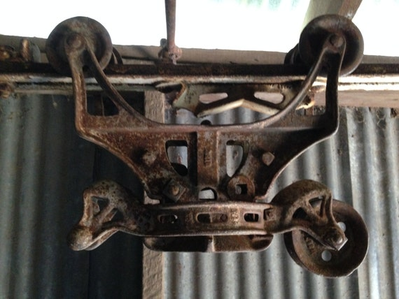 Cast Iron Antique Hay Trolley Barn Hoist Pulley Carrier