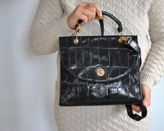 Vintage LEATHER MESSENGER BAG , women's shoulder bag.....(479)