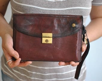 Vintage LEATHER CLUTCH ............(165)