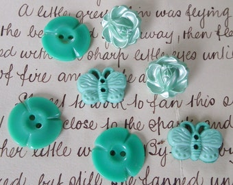 Vintage Buttons Group 5 Flower-shaped buttons and 2 butterfly buttons in soft mint green. Lovely Embellishment for Quilting or Needlework.