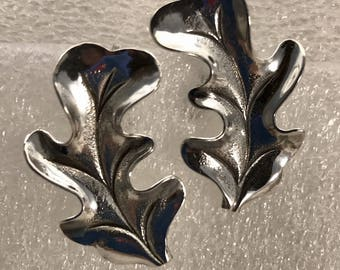 Vintage sterling silver screw on leaf earrings