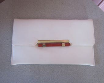 1970s White Vinyl Envelope Clutch