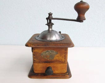 Restored Antique Manual COFFEE GRINDER Mill Old ITALY Farmhous Rustic Kitchen Small Appliance