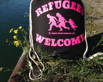 Pink refugees welcome - gym bags