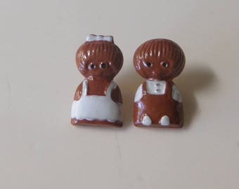 Mom and Pop Gingerbread Christmas Buttons JHB Buttons Childrens buttons