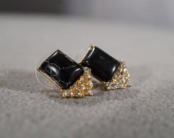 Vintage Art Deco Style Yellow Gold Tone Rhinestone Jet Black Square Pierced Earrings Jewelry    KW46