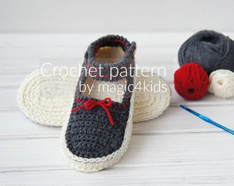 Crochet pattern- Mary Jane's for women,slippers,loafers,home shoes,women,teen girls,adult,medium thickness yarn,casual look,strap,button