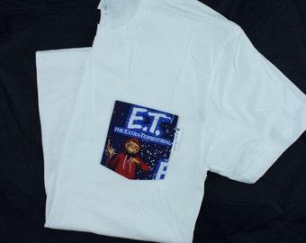 E.T. Extra Terrestrial Pocket Tee Shirt , T-shirt, Shirt