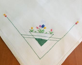 Vintage Basket Linen Tablecloth  #40