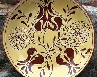 5 Flowers - SG486 - Pennsylvania German Redware Sgraffito Plate