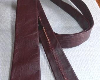 Vintage skinny burgundy  leather necktie by Gucci