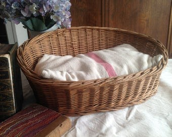 Vintage wicker cat basket