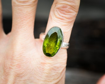 Peridot Ring Size 9 - Peridot ring - Large Peridot Ring - August Birthstone - August Birthstone - Peridot jewelry- Size 9 Ring