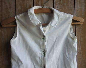 Vintage Girls White Sleeveless Summer Blouse, Child's Shirt, Prairie, Rustic, Appliqued Flowers, Embroidered,Childrens Clothing, Size 8