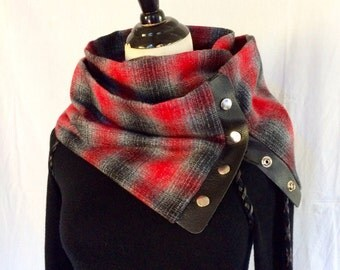 Snap-on Urban/Country Infinity Flannel Scarf