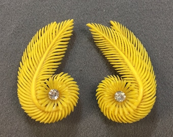 Huge Silly Kitschy Fun Yellow 1950's Plastic Clip Earrings with Rhinestones-Cool!   Free shipping