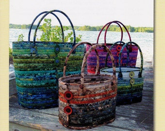 CAMDEN BAGS  **Full Color & Internet Video Directions **   Sizes Large + Small   By:  Aunties Two Patterns  #04112