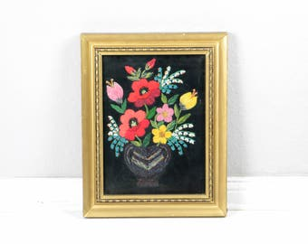Framed embroidery, flower embroidery, gold frame, embroidered artwork, flower bouquet, embroidery wall hanging