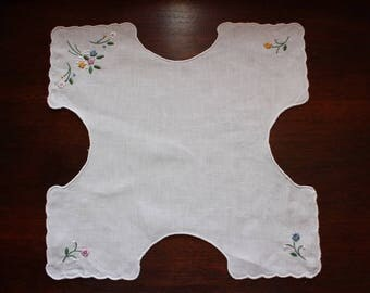 Vintage Bread Basket Liner/Warmer with Embroidery